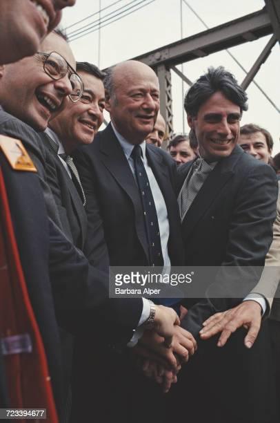 New York City politicians at the dedication of Brooklyn Bridge on its centenary New York City June 1983 Mayor of New York City Ed Koch is at centre...