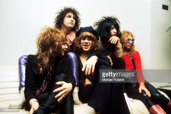 New York Dolls group portrait London November 1973 LR Jerry Nolan Sylvain Sylvain David Johansen Johnny Thunders Arthur Kane