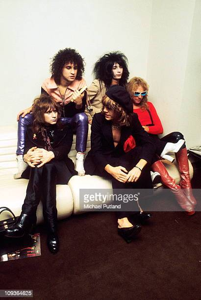 New York Dolls group portrait London November 1973 LR Jerry Nolan Sylvain Sylvain David Johansen Johnny Thunders Arthur Kane
