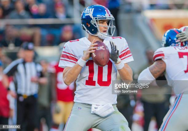 New York Giants quarterback Eli Manning scans the field during the regular season game between the San Francisco 49ers and the New York Giants on...