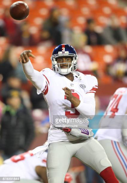 New York Giants quarterback Geno Smith warms up before a NFL game between the Washington Redskins and the New York Giants on November 23 at Fedex...