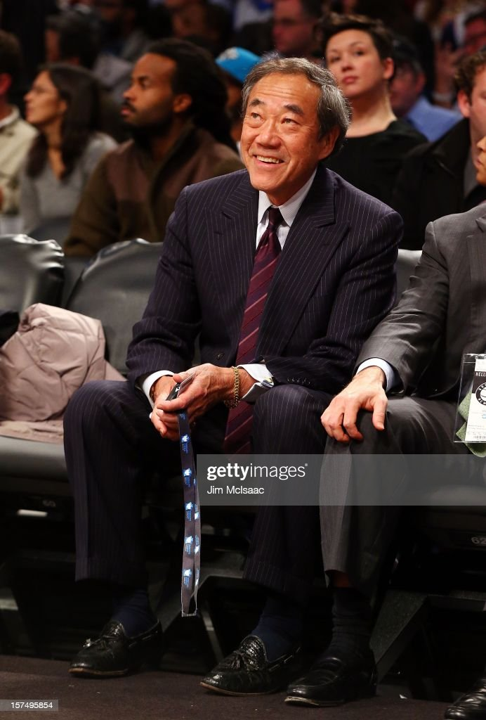 New York Islanders owner Charles Wang attends the NBA game between the Brooklyn Nets and the New York Knicks at Barclays Center on November 26, 2012 in the Brooklyn borough of New York City.The Nets defeated the Knicks 96-89 in overtime.