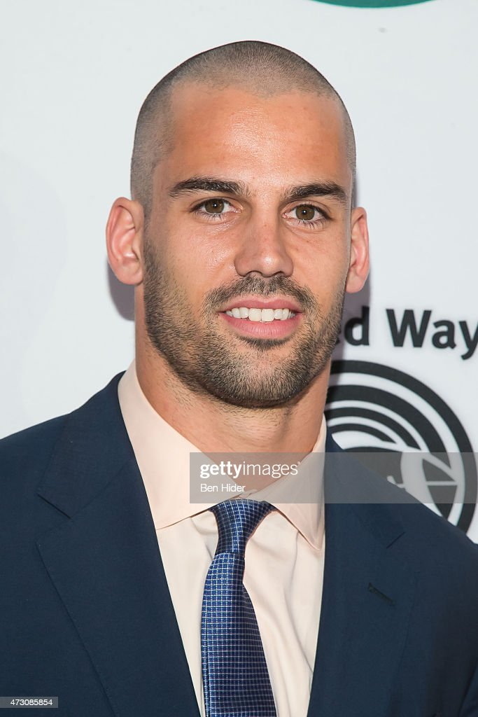 New York Jets <a gi-track='captionPersonalityLinkClicked' href=/galleries/search?phrase=Eric+Decker&family=editorial&specificpeople=3950667 ng-click='$event.stopPropagation()'>Eric Decker</a> attends the 22nd Annual Gridiron Gala at New York Hilton Midtown on May 12, 2015 in New York City.