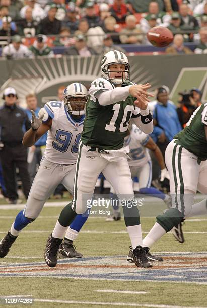 New York Jets quarterback Chad Pennington passing under pressure from Lions defensive end Kalimba Edwards during the Detroit Lions vs New York Jets...