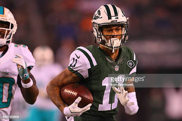 New York Jets wide receiver Robby Anderson scores a touchdown during the first quarter of the National Football League game between the New York Jets...