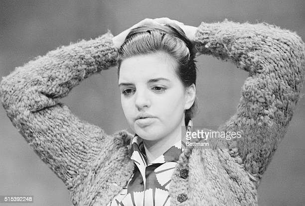 Liza Minnelli assumes several personalities with quick hair changes Ends up as typical teenager Liza 17 will have mother Judy Garland in the audience...