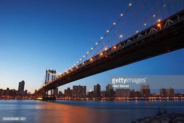 USA, New York, Manahttan Bridge, low angle view, sunset