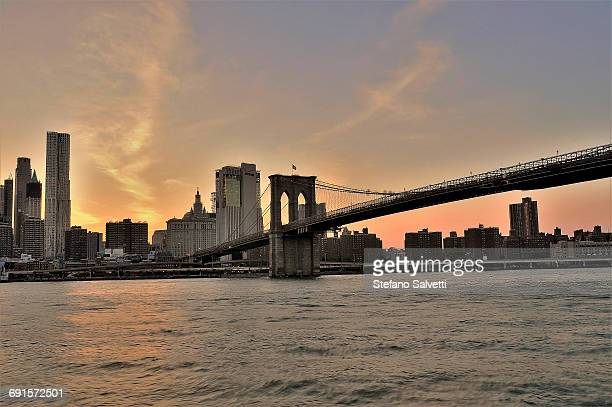 New York, Manhattan bridge at dusk