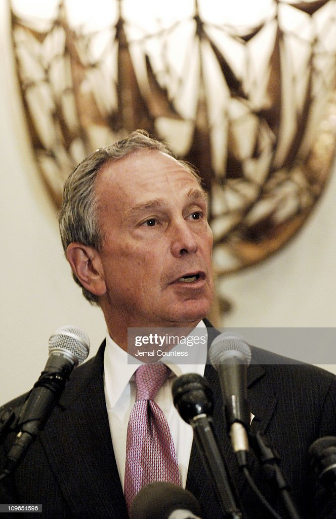 New York Mayor <a gi-track='captionPersonalityLinkClicked' href=/galleries/search?phrase=Michael+Bloomberg&family=editorial&specificpeople=171685 ng-click='$event.stopPropagation()'>Michael Bloomberg</a> speaks at the New York Memorial Service for <a gi-track='captionPersonalityLinkClicked' href=/galleries/search?phrase=Simon+Wiesenthal&family=editorial&specificpeople=3954474 ng-click='$event.stopPropagation()'>Simon Wiesenthal</a> on September 27, 2005 in New York City