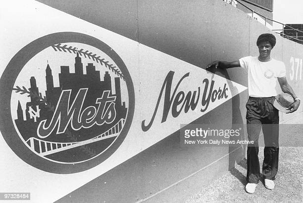New York Mets' Darryl Strawberry in the outfield at Shea Stadium