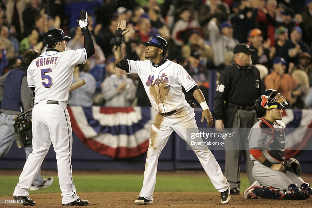 2006 NLCS - Game Two - St. Louis Cardinals vs New York Mets