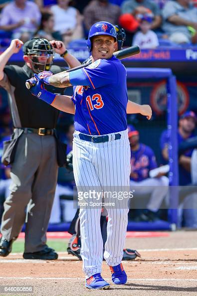 New York Mets infielder Asdrubal Cabrera warms up before his first inning solo shot during a Spring Training game between the Houston Astros and New...