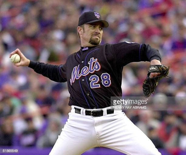 New York Mets right handed pitcher Bobby Jones throws against the San Francisco Giants during the National League Division Series 08 October 2000 at...