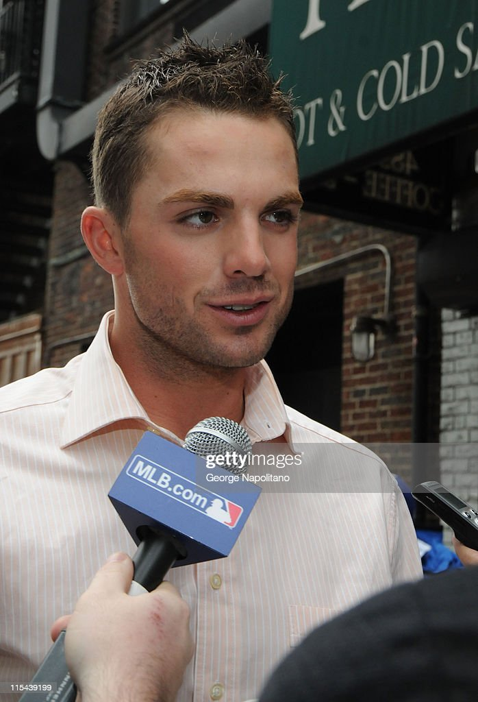 New York Mets third baseman <a gi-track='captionPersonalityLinkClicked' href=/galleries/search?phrase=David+Wright+-+Baseball+Player&family=editorial&specificpeople=209172 ng-click='$event.stopPropagation()'>David Wright</a> on 52nd St. outside the Ed Sullivan Theater after appearing on 'Late Show with David Letterman,' April 14, 2008 in New York City.