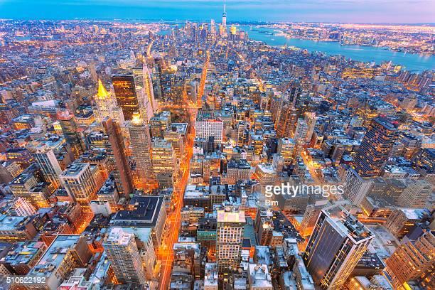 New Yorks, Midtown Manhattan, Luftbild in der Abenddämmerung