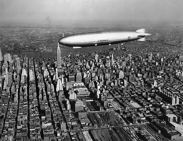 Usa new york new york city zeppelin 39 los angeles 39 zr iii for New york city to los angeles