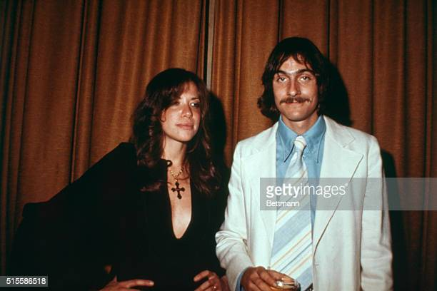 3/20/1973 New York NY Singer James Taylor poses with wife singer Carly Simon at the Waldorf Astoria Hotel