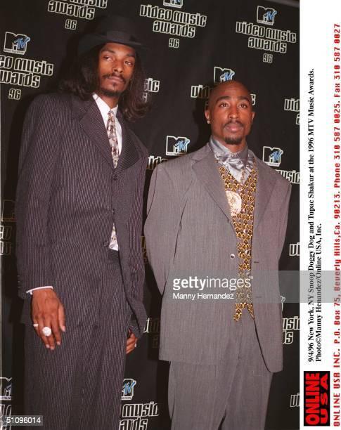 New York Ny Snoop Doggy Dogg And Tupac Shakur At The 1996 MTV Music Awards