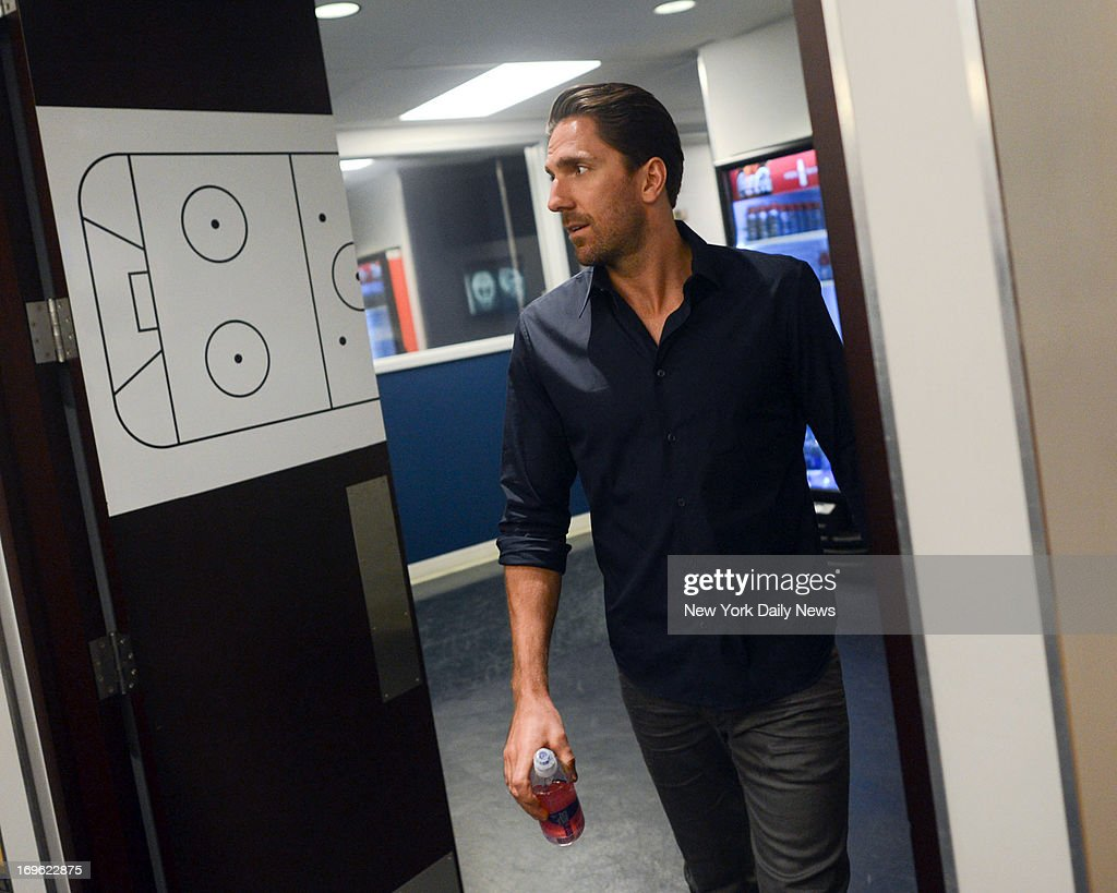 New York Rangers goalie Henrik Lundqvist (30) says Rangers took 'step back' this season as he walks out door and gives them pause by leaving open possibility he'll walk out door for good.