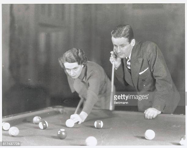 Carom Stock Photos And Pictures Getty Images