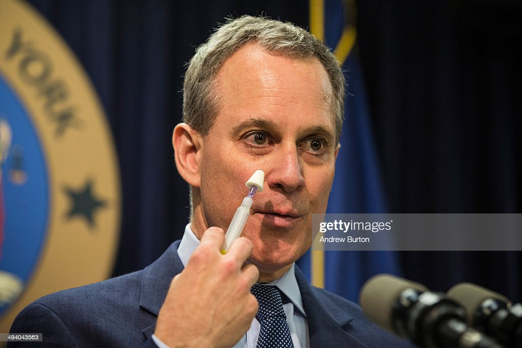 New York State Attorney General <a gi-track='captionPersonalityLinkClicked' href=/galleries/search?phrase=Eric+Schneiderman&family=editorial&specificpeople=3634560 ng-click='$event.stopPropagation()'>Eric Schneiderman</a> speaks at a press conference about a new community prevention program for heroin overdoses in which New York City police officers will carry kits with Naloxone, an heroin antidote that can reverse the effects of an opioid overdose, on May 27, 2014 in New York City. The New York Police Department is being provided 19,500 kits for officers; the program will begin after officers receive training. The Naloxone is administered nasally.