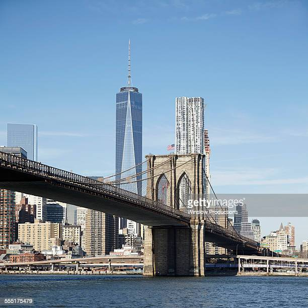 USA, New York State, New York City, Brooklyn, View of suspension bridge and cityscape