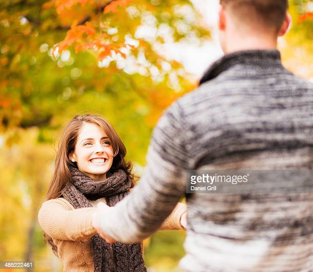 USA, New York State, New York City, Couple in Central Park
