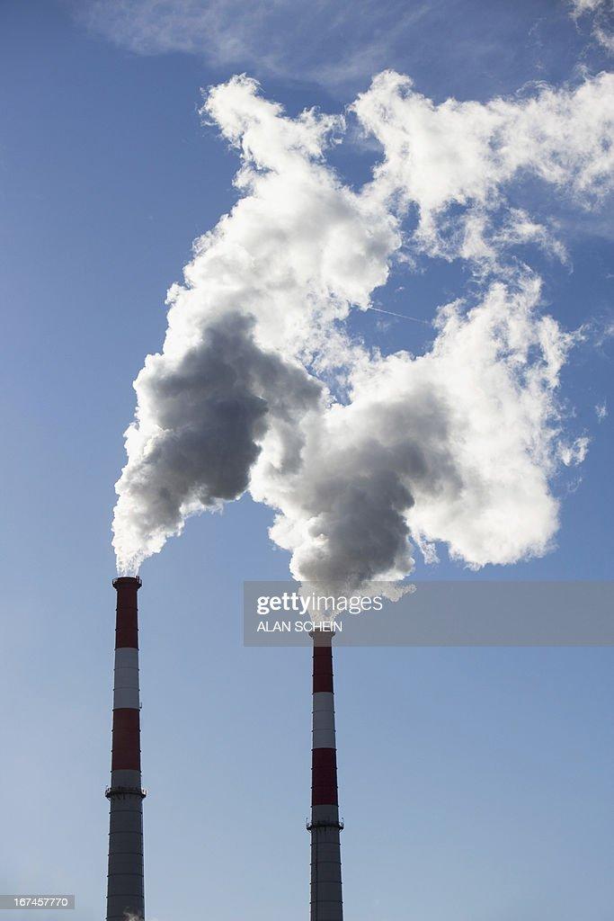 USA, New York State, New York City, Smoke emitting from smoke stacks : Stock Photo