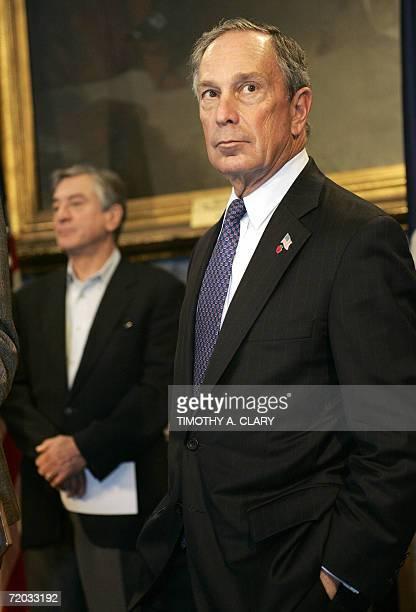 New York Ciy Mayor Michael Bloomberg and actor and Tribeca Film Festival cofounder Robert De Niro attend a news conference in New York City Hall 28...