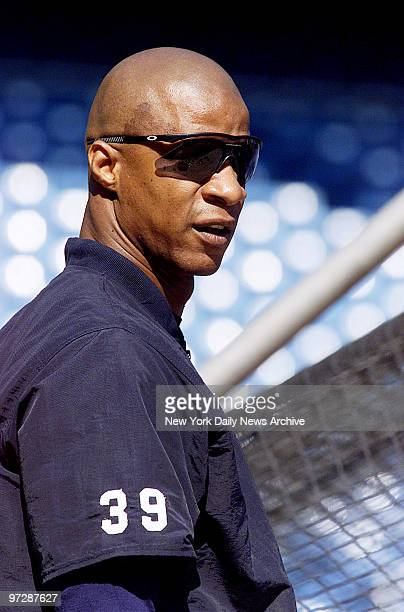 New York Yankees' Darryl Strawberry takes batting practice in preparation for Game 2 of the American League division series against the Arizona...