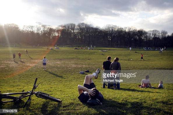 New Yorkers enjoy record breaking temperatures of a high of 70 degrees in Prospect Park on January 6 2007 in the Brooklyn borough of New York City...