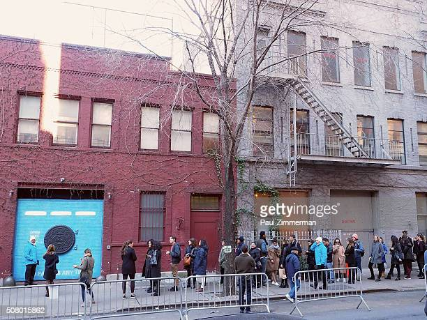 New Yorkers line up to get a glimpse into the OREO Wonder Vault which popped up to deliver an early taste of the new limited edition Filled Cupcake...
