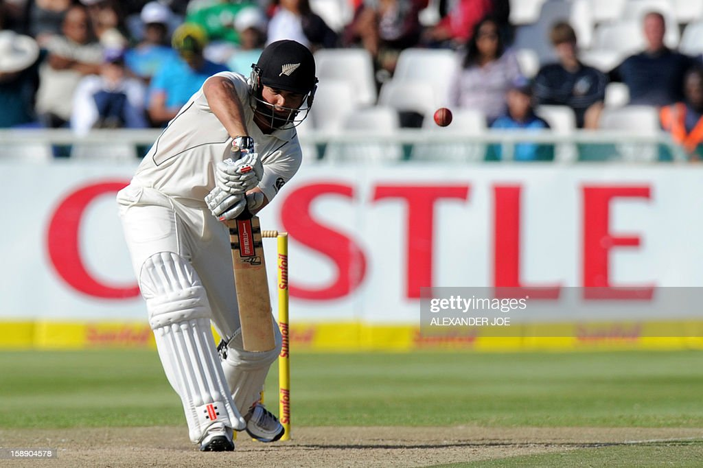 New Zealand batsman Daniel Flynn keeps his eye on the ball from unseen South Africa cricketer Jacques Kallis, during their second innings on day two of the first Test match between South Africa and New Zealand, in Cape Town at Newlands on January 3, 2013. South African all out 347 runs.