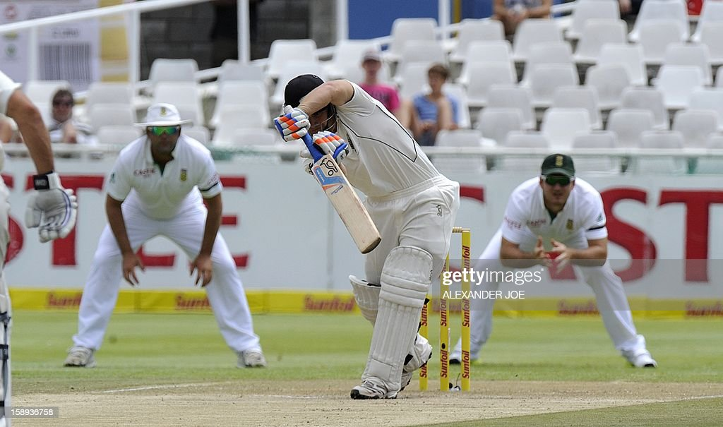 New Zealand batsman Dean Brownile lets a wide ball go on day 3 of the first Test match between South Africa and New Zealand, in Cape Town at Newlands on January 4, 2013. AFP PHOTO / ALEXANDER JOE
