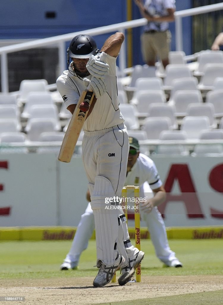 New Zealand batsman Dean Brownile plays a shot on day 3 of the first Test match between South Africa and New Zealand, in Cape Town at Newlands on January 4, 2013. AFP PHOTO / ALEXANDER JOE