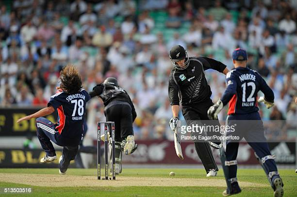 New Zealand batsman Grant Elliot falls after colliding with England bowler Ryan SIdebottom during the NatWest Series One Day International between...