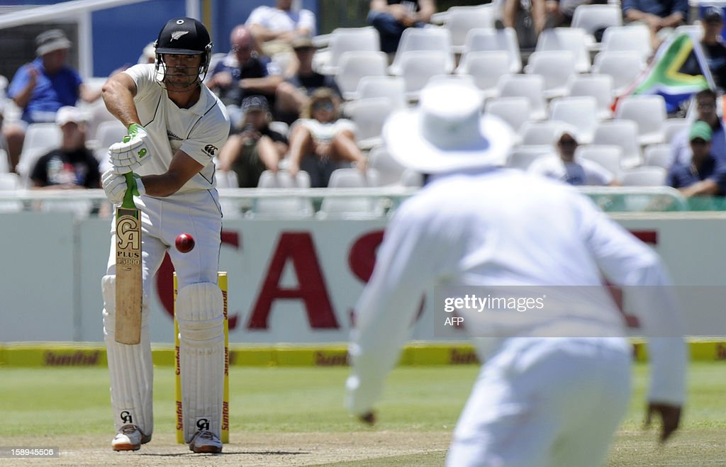 New Zealand batsman James Franklin blocks a shot during day 3 of the first Test match between South Africa and New Zealand, in Cape Town at Newlands, on January 4, 2013.