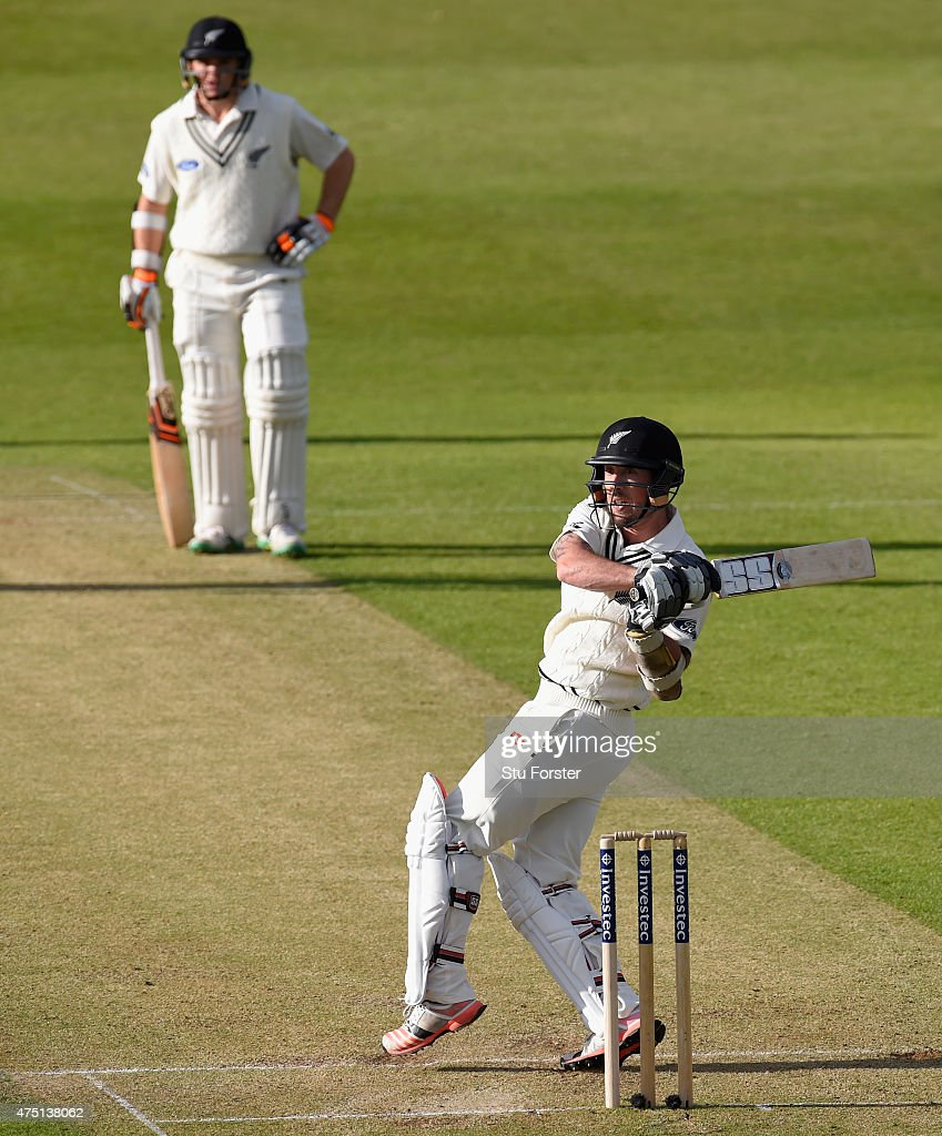 New Zealand batsman <a gi-track='captionPersonalityLinkClicked' href=/galleries/search?phrase=Luke+Ronchi&family=editorial&specificpeople=724790 ng-click='$event.stopPropagation()'>Luke Ronchi</a> hits out watched by batting partner <a gi-track='captionPersonalityLinkClicked' href=/galleries/search?phrase=Tom+Latham+-+Cricket+Player&family=editorial&specificpeople=13719242 ng-click='$event.stopPropagation()'>Tom Latham</a> during day one of the 2nd Investec test match between England and New Zealand at Headingley on May 29, 2015 in Leeds, England.