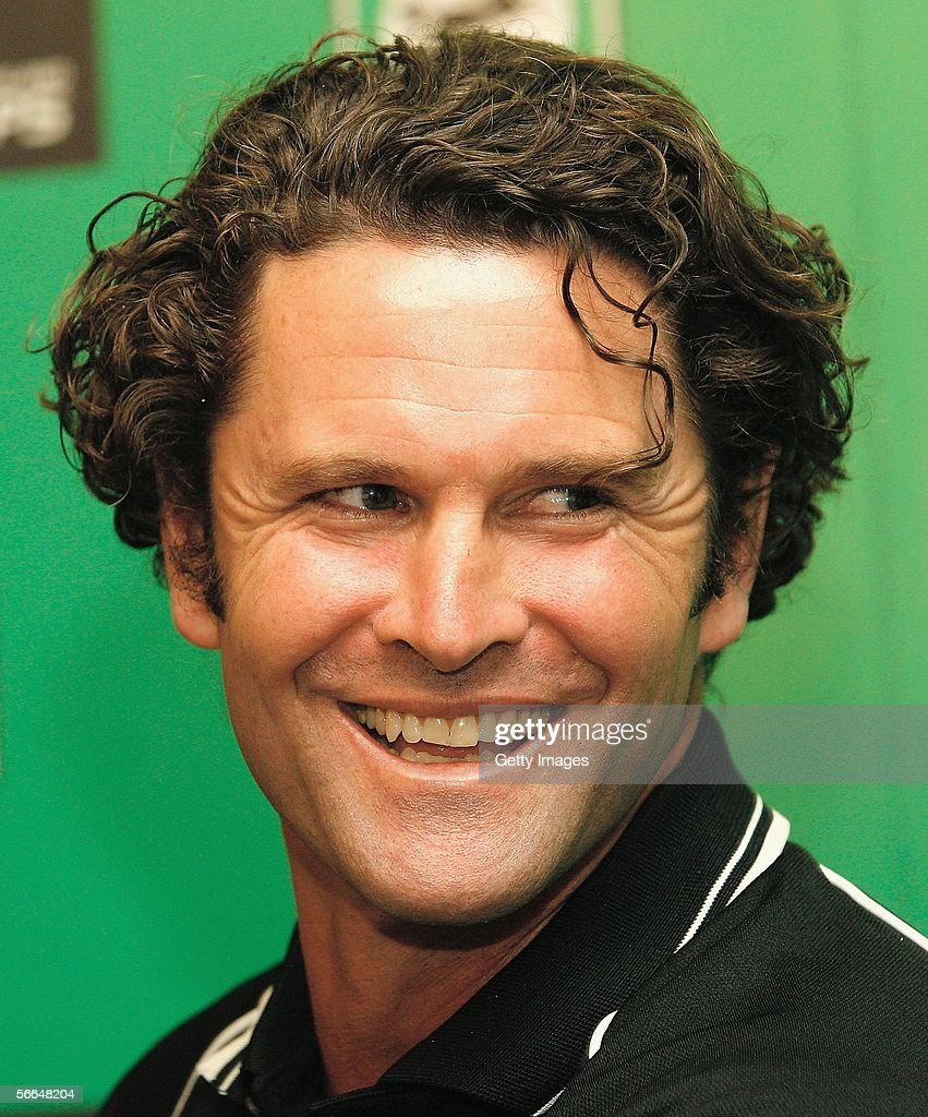Chris Cairns Announces International Cricket Retirement