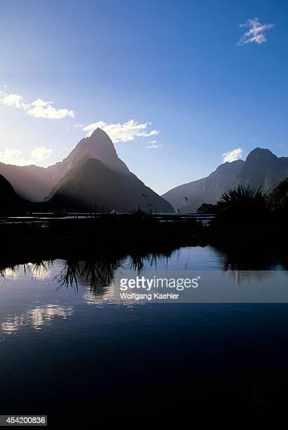 New Zealand Fiordland Np Milford Sound With Mitre Peak