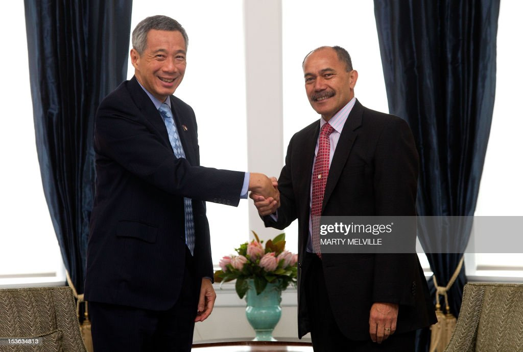 New Zealand Governor-General Jerry Mateparae (R) greets Singapore's Prime Minister Lee Hsien Loong during a meeting at Government House in Wellington on October 8, 2012. Lee Hsien Loong is on a three day visit to New Zealand.