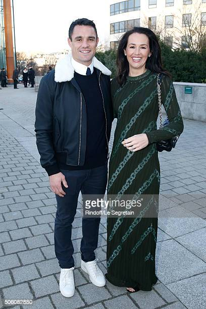 New Zealand Rugby Player and Champion of the World with 'All Blacks' Dan Carter and his wife Honor Carter dressed in Louis vuitton attend the Louis...