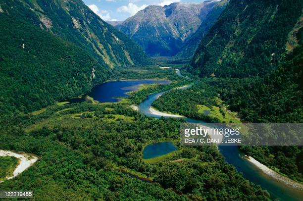 New Zealand South Island Te Wahipounamu Fiordland National Park Milford Track river Arthur
