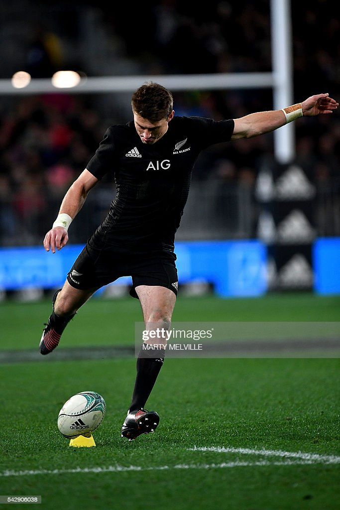 New Zealand's Beauden Barrett kicks a conversion during the third rugby union Test match between the New Zealand All Blacks and Wales at Forsyth Barr Stadium in Dunedin on June 25, 2016. / AFP / Marty Melville