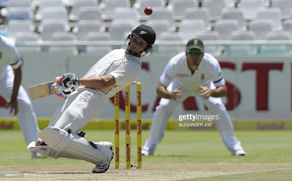 New Zealand's BJ Watling avoids a bouncer on day 3 of the first Test match between South Africa and New Zealand, in Cape Town at Newlands on January 4, 2013.