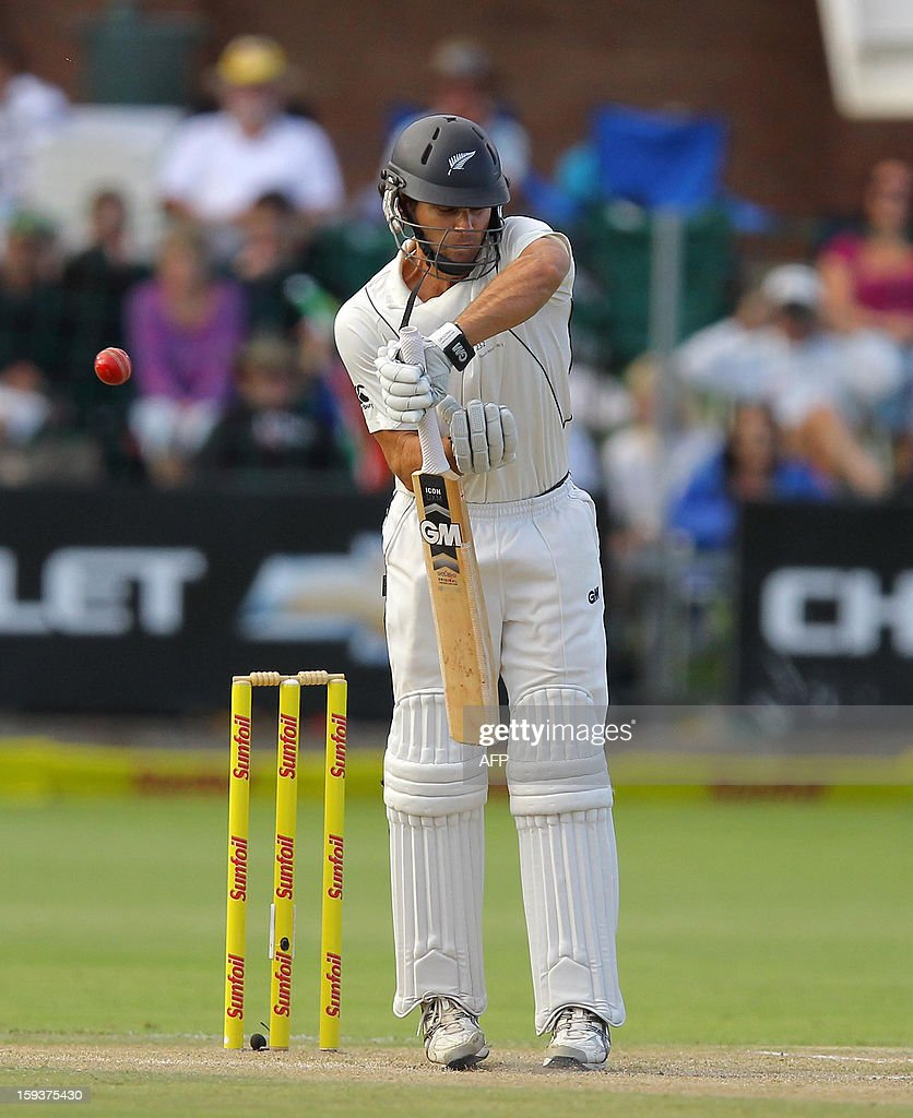 New Zealand's Dean Brownlie bats on January 12, 2013 on the second day of the second and final Test against South Africa at St George's Park in Port Elizabeth. PHOTO /Anesh Debiky