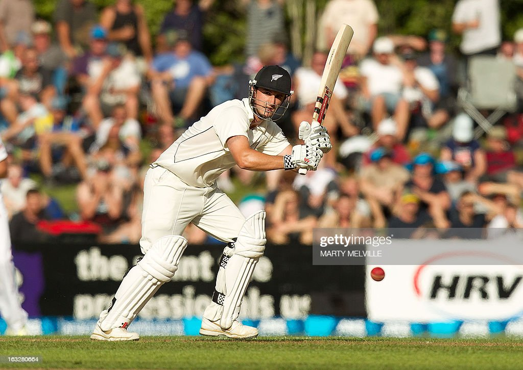 New Zealand's Hamish Rutherford bats during day two of the first international cricket Test match between New Zealand and England played at the University Oval park in Dunedin on March 7, 2013. AFP PHOTO / Marty MELVILLE