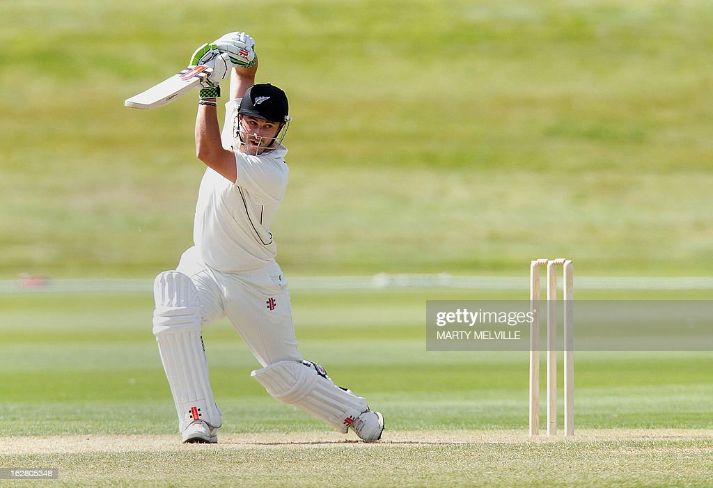 New Zealand's Hamish Rutherford bats during day two of the four-day warm up international cricket match between New Zealand and England in Queenstown on February 28, 2013. AFP PHOTO / Marty MELVILLE