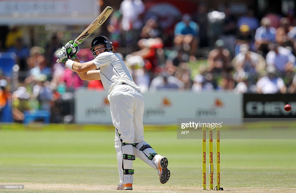 New Zealand's Martin Guptill fields on January 13, 2013 during the third day of the second and final Test against South Africa at St George's Park in Port Elizabeth. AFP PHOTO / Anesh Debiky