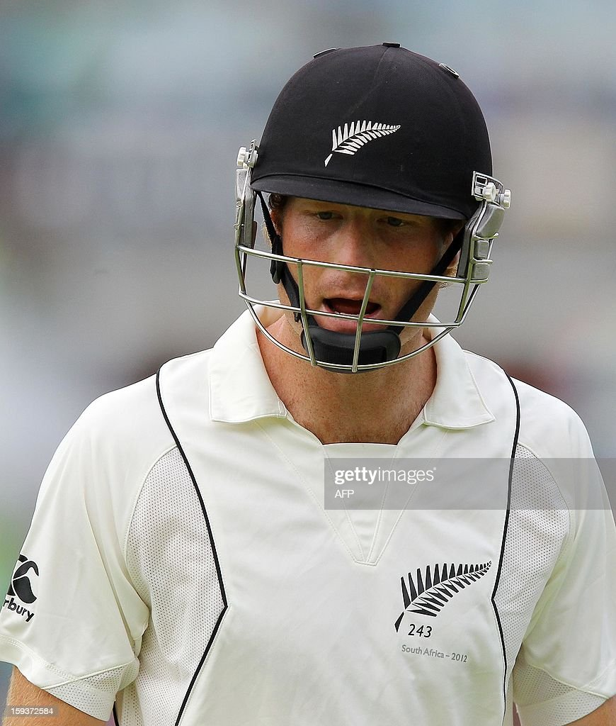 New Zealand's Martin Guptill reacts on January 12, 2013 on the second day of the second and final Test against South Africa at St George's Park in Port Elizabeth. AFP PHOTO /Anesh Debiky
